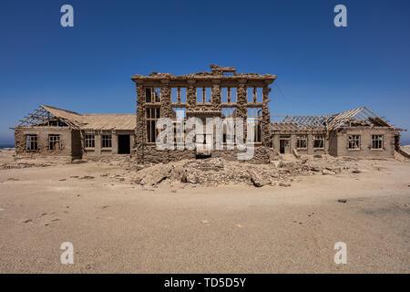 Un Casino dans la ville minière abandonnée de Elizabeth Bay, sur la côte de Luderitz autour de 25km d'Kolmonskop, Namibie, Afrique Photo Stock