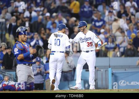 Los Angeles, CA, USA. 14 Juin, 2019. Pendant le jeu entre les Cubs de Chicago et les Dodgers de Los Angeles au Dodger Stadium à Los Angeles, CA. (Photo de Peter Renner and Co) Credit: csm/Alamy Live News Photo Stock