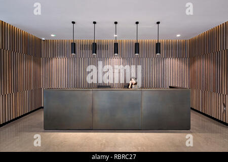 La réception. 8 Bloomsbury, Londres, Royaume-Uni. Architecte: Buckley Gray Yeoman, 2017. Photo Stock