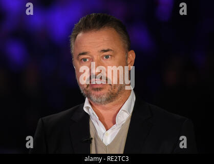 Alexandra Palace, Londres, Royaume-Uni. 19 Jan, 2019. Dafabet Masters Snooker, demi-finales ; Judd Trump contre Neil Robertson, Stephen Hendry offre de crédit commentaire : Action Plus Sport/Alamy Live News Photo Stock