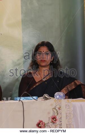 Renuka Shahane actrice film Marathi au cours de la compagnie Carnival événement dans Mumbai, Inde, 01 juin 2013. Fondation dignité une ONG qui travaille pour les personnes âgées a organisé une réunion d'une journée de la compagnie Carnival pour promouvoir les réseaux sociaux chez les personnes âgées, qui va les aider à trouver des amis et partenaires pour la compagnie. (Catherine Khot) Photo Stock
