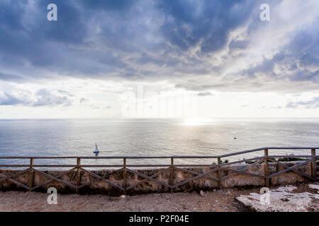 Vue depuis la terrasse du phare de Cap Blanc, Majorque, Îles Baléares, Espagne Photo Stock