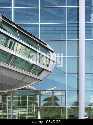 Salles d'expositions Neue Messe, de l'architecture moderne, ville hanséatique de Hambourg, Allemagne, Photo Stock