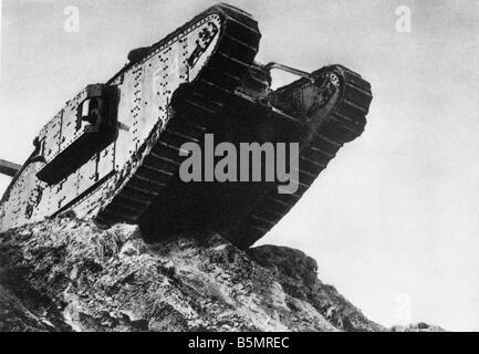 9 1917 1120 A2 2 E bataille de chars à Cambrai Anglais tank World War One Front Ouest bataille de chars à Photo Stock