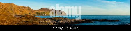 Paysage panoramique à l'île de Runde Herøy kommune, côte ouest de l'Atlantique, Møre og Romsdal (Norvège). Photo Stock