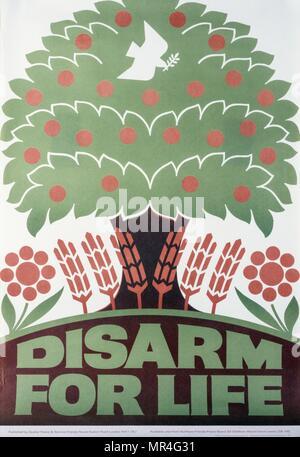 """Désarmer pour la Vie"""" de l'organisation Quaker Peace, de la lutte contre la guerre froide, la propagande poster 1970 Photo Stock"""