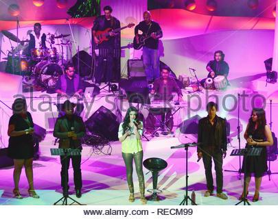 Singer Reewa Rathod, fille du célèbre duo chanteuse Sunali et Roopkumar effectuée pendant le lancement de son premier concert à Mumbai, Inde, 05 janvier 2013. (Krishanu Nagar) Photo Stock