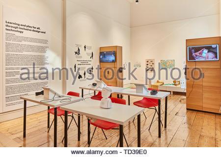 L'installation par le design et l'architecture de la Norvège (différents concepteurs) pour la Norvège. Design Biennale 2018 de Londres, Londres, Royaume-Uni. Architecte: Divers Photo Stock