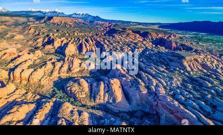 Au-dessus des ailettes de Rock Mill Creek Canyon, Utah. Les eaux de la Sal proposé, près de Moab en milieu sauvage Photo Stock