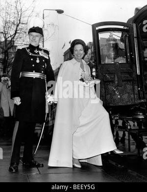 La princesse Anne d'embarquer dans un transport. Photo Stock