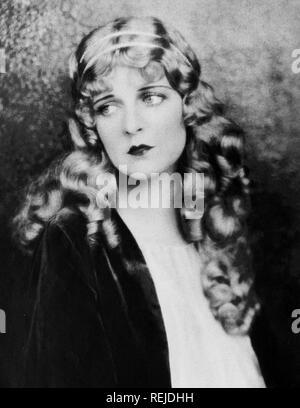 Peut McAVOY (1899-1984) Actrice américaine comme Esther dans Ben-Hur (1925) Photo Stock