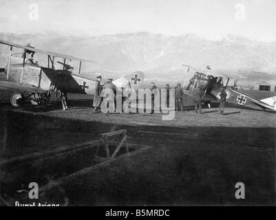 9 1917 1113 A1 1 E troupes aériennes allemandes à Aviano 1917 Première Guerre Mondiale 1914 1918 Photo Stock