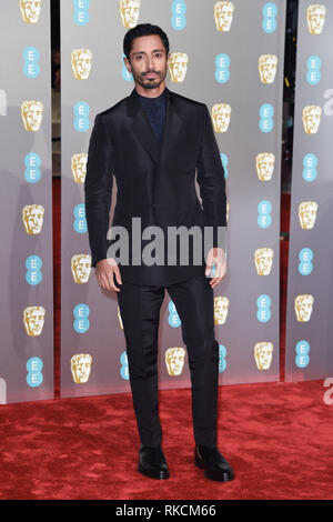 Londres, Royaume-Uni. 10 fév, 2019. Londres, Royaume-Uni. 10 février 2019 : Riz Ahmed arrivant pour le BAFTA Film Awards 2019 au Royal Albert Hall, Londres. Photo : Steve Sav/Featureflash Crédit : Paul Smith/Alamy Live News Photo Stock