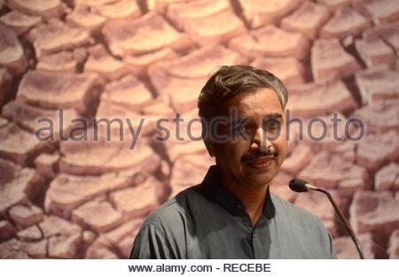 Vishwambhar activiste Choudhary parle durant le séminaire sur l'eau (Patatay Pani et la sécheresse cause) à Mumbai, Inde le 4 janvier 2012. (Dr Naik/ IMAGES SOLARIS) Photo Stock