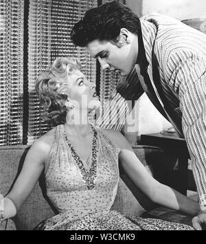 JAILHOUSE ROCK 1957 film avec Elvis Presley et Anne Neyland Photo Stock