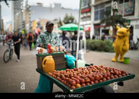 Pour la vente de fruits sur la Plaza de Bolivar, Bogota, Colombie Photo Stock