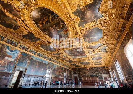 Italie, Vénétie, Venise classés au Patrimoine Mondial par l'UNESCO, du Palais des Doges (Palazzo Ducale), le Grand Conseil de détente (Sala del Maggior Consiglio) Photo Stock
