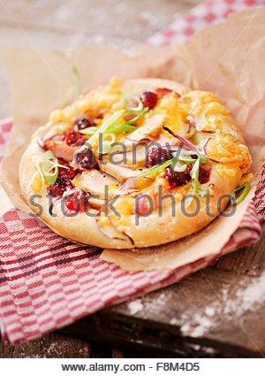 Poulet et cranberry mini pizza Photo Stock