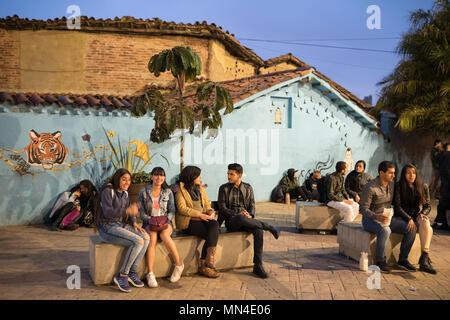 Plazoleta Chorro de Quevedo, au crépuscule, La Candelaria, Bogota, Colombie, Amérique du Sud Photo Stock