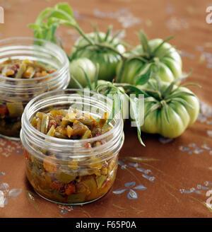 Chutney de tomates vertes ( sujet: à l'air libre) Photo Stock