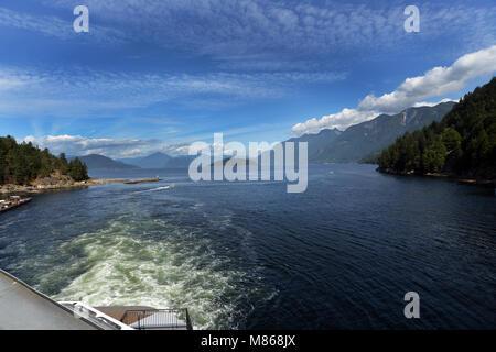 Traversée en ferry pour l'île de Vancouver, Horsehoe Bay, Colombie-Britannique, Canada. Photo Stock