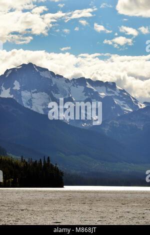 Sommets enneigés, Canadian Rockies, Duffey Lake Provincial Park, Photo Stock