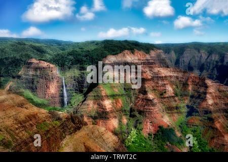 Waimea Canyon avec cascades. Kauai, Haraii. Photo Stock