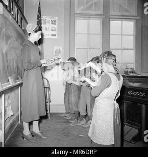 Les enfants néerlandais, mennonite, 1942 Comté de Lancaster, Pennsylvanie, classe de Mennonites Amish, Photo Stock