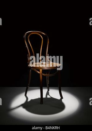 Une chaise en bois à l'honneur Photo Stock