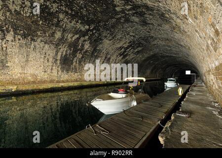 France, Bouches du Rhône, Marseille, 16e arrondissement, quartier de l'Estaque, Port de la lave, tunnel Rove Photo Stock