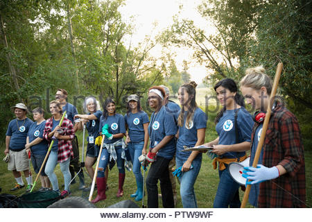 Réunion des bénévoles, la préparation en park Photo Stock