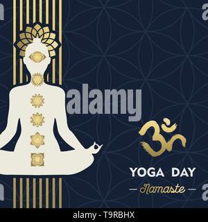 Carte de souhaits Jour Yoga illustration de silhouette de femme en or posent avec lotus flower et chakra d'icônes. Photo Stock