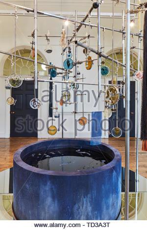 L'installation par l'Université de Leicester (différents concepteurs) pour le Vietnam. Design Biennale 2018 de Londres, Londres, Royaume-Uni. Architecte: Divers , 201 Photo Stock