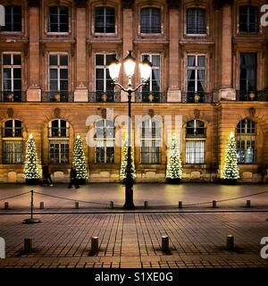 Les arbres de Noël sur la Place Vendôme, Paris, France Photo Stock