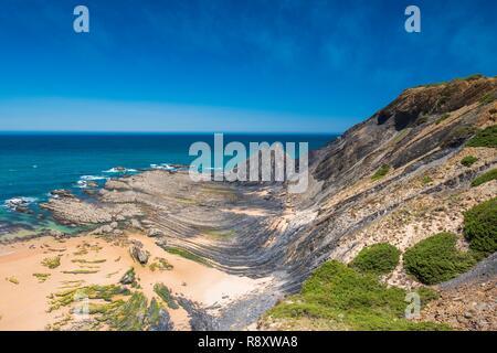 Le Portugal, l'Algarve, région au sud-ouest Alentejano et Costa Vicentina Parc naturel, la randonnée Rota Vicentina entre Aljezur et Odeceixe sur le sentier de pêcheurs, Praia da Amoreira Photo Stock