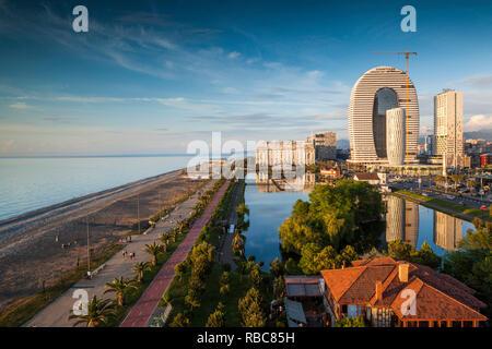 La Géorgie, Batoumi Batoumi, Boulevard, promenade en bord de mer, de l'architecture Photo Stock