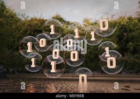 Code binaire flottant dans la rivière au-dessus des bulles Photo Stock