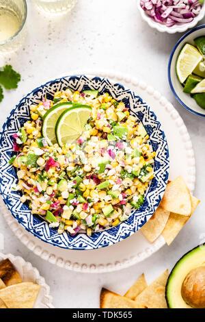 Rue mexicaine salade de maïs Photo Stock