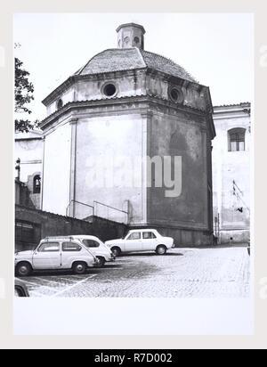 Lazio Roma Velletri S. Maria del Sangue, c'est mon l'Italie, l'Italie Pays de l'histoire visuelle, de l'architecture médiévale du 15e siècle, l'intérieur, de la peinture. Bâtiment octogonal. Photo Stock