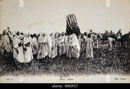 Colonial français (algérienne) Carte postale, vers 1910, représentant un mariage Arabe Photo Stock