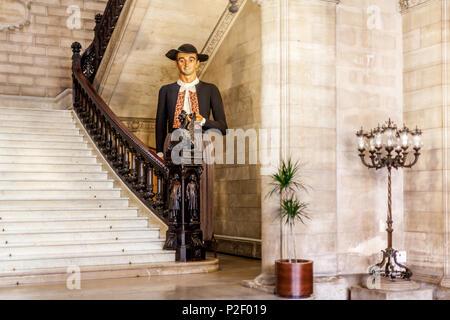 Grande poupée avec tzpical les vêtements dans l'hôtel de ville, Vieille ville de Palma, Palma de Mallorca, Majorque, Îles Baléares, Méditerranée Photo Stock