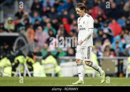 Santiago Bernabeu, Madrid, Espagne. 19 Jan, 2019. La Liga football, Real Madrid et Séville, Luka Modric (Real Madrid) en action pendant le match : Action Crédit Plus Sport/Alamy Live News Photo Stock