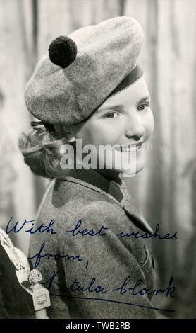 Petula Clark (1932-), actrice britannique, et compositeur. Photographié vers 1946 autour de 13 ans. Date: vers 1946 Photo Stock