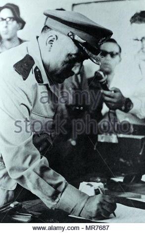 Gouverneur militaire égyptienne de Gaza se rend à l'armée israélienne durant la Guerre des Six Jours 1967 Photo Stock