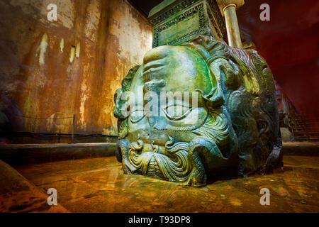 Tête de Méduse, la Citerne Basilique, Istanbul, Turquie Photo Stock