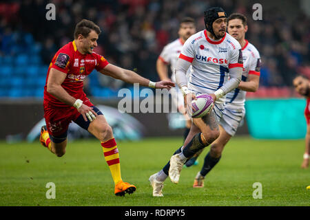 Stade AJ Bell, Salford, Royaume-Uni. 19 Jan, 2019. European Challenge Cup rugby, vente par rapport à Perpignan ; Chris Ashton des Sale Sharks attend de passer la balle : Action Crédit Plus Sport/Alamy Live News Photo Stock