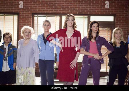 Vous revoir 2010 Touchstone Pictures film avec Sigourney Weaver en rouge,Jamie Lee Curtis en veste bleue et Odette Annable en violet Photo Stock
