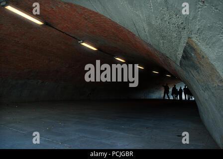 Passage inférieur,groupe,tunnel piéton,acherontic Photo Stock