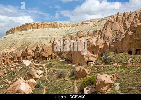 Géographie / voyage, Turquie, Moyen-Orient, la Cappadoce, la roche de tuf formations rocheuses avec des mares Photo Stock