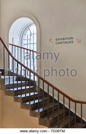 Signe de l'escalier. Design Biennale 2018 de Londres, Londres, Royaume-Uni. Architecte: Divers , 2019. Photo Stock